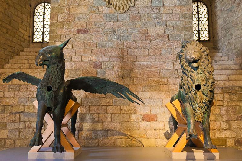 Il grifo perugino e il leone guelfo