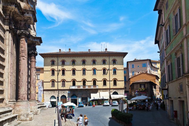 Piazza Danti