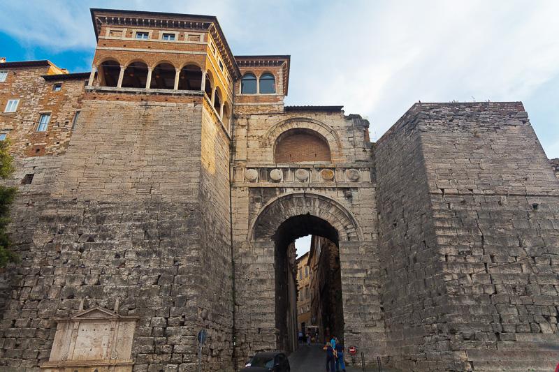L'Arco Etrusco