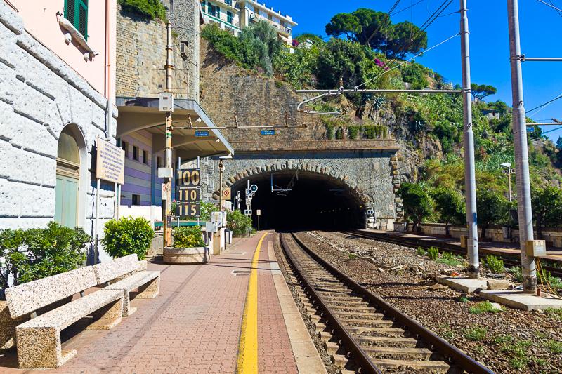 Stazione ferroviaria di Riomaggiore
