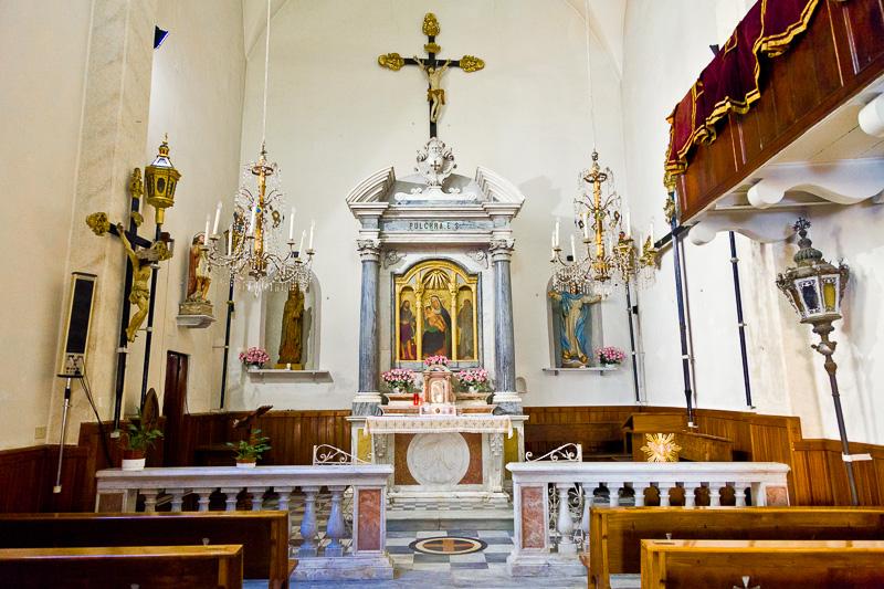 Presbiterio della chiesa della Confraternita dell' Assunta