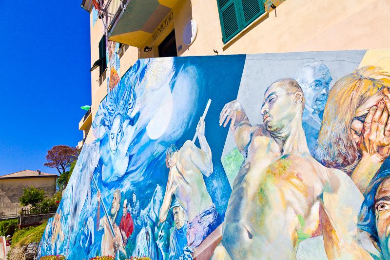 """Il murales """"Il parco dell'uomo tra mito e realtà"""""""