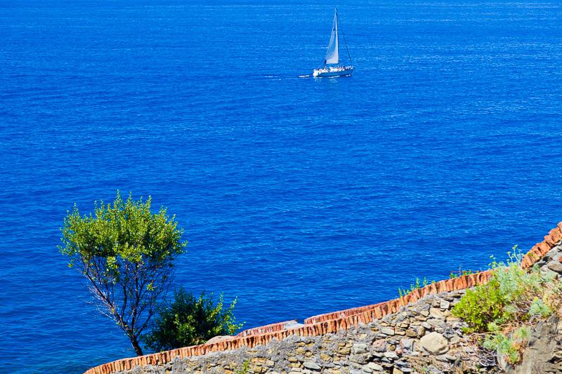 Il mare azzurro della liguria