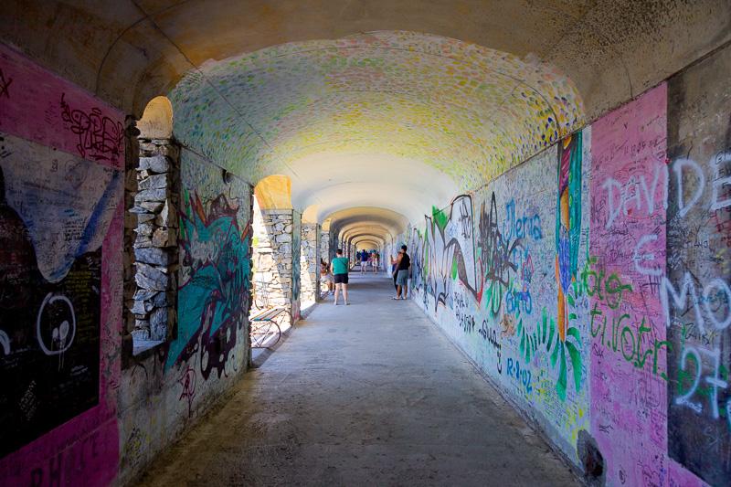 Il lungo tunnel di Via dell'Amore