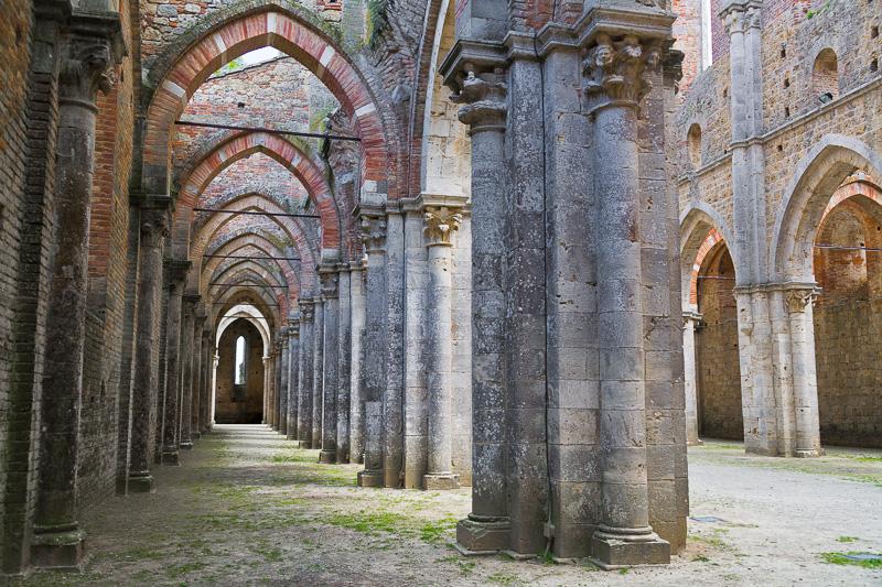 La navata laterale sinistra