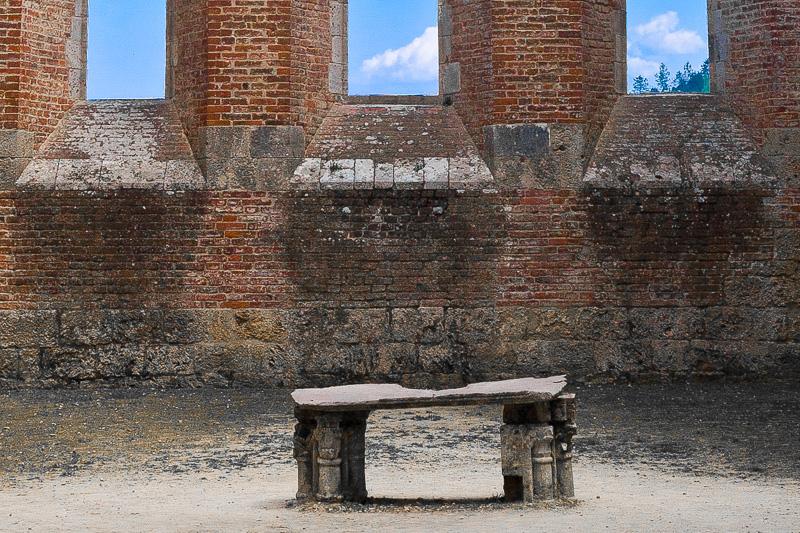 I resti dell'altare maggiore