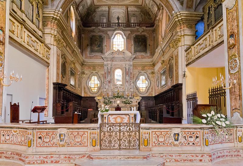 Il presbiterio della parrocchia Cattedrale