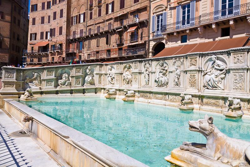 Fonte Gaia di Jacopo della Quercia