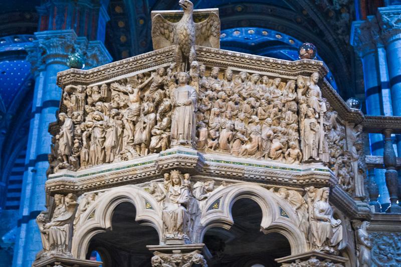 Il pulpito della cattedrale di Santa Maria Assunta