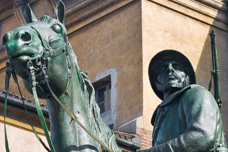 Statua equestre di Canonica Pietro