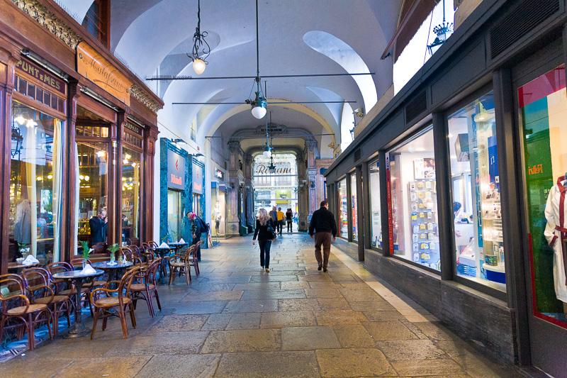 Il portico di piazza Castello