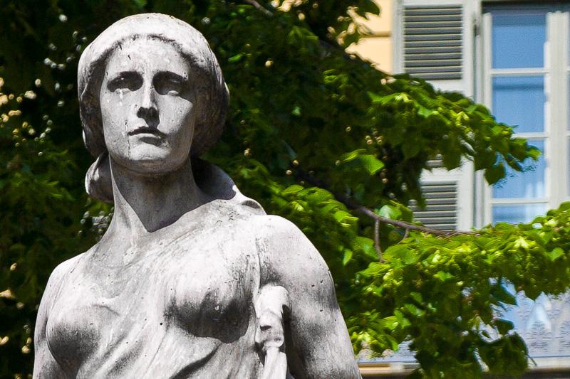 Volto femminile della seminatrice