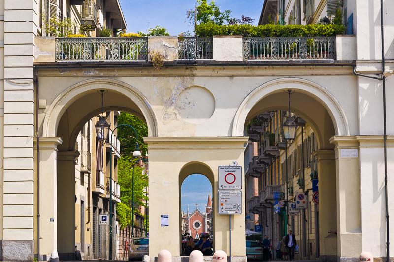 Il porticato di piazza Vittorio Veneto