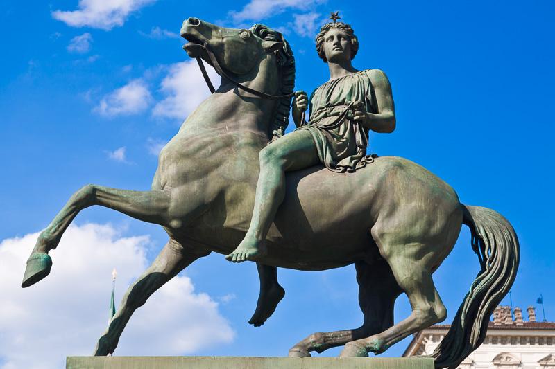 La statua in bronzo raffigurante Polluce