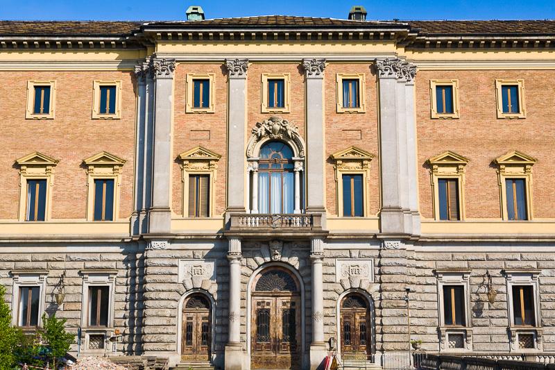 """La facciata della """"Manica Nuova"""" di Palazzo Reale"""