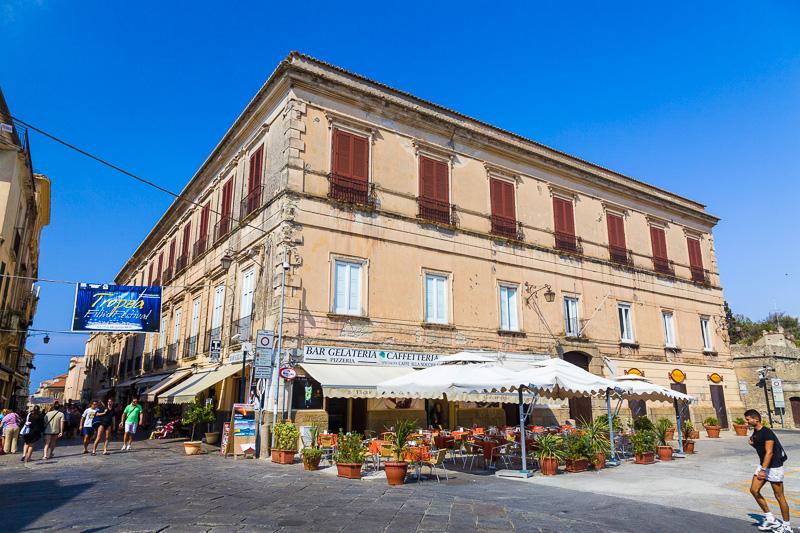 Un antico palazzo in largo San Michele