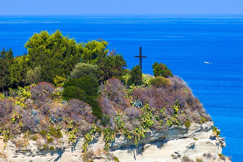 Sperone di roccia dell'isola di Santa Maria