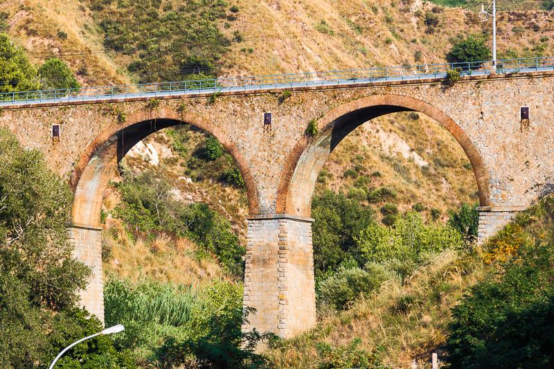 """Ponte ferroviario della fiumara """"La Grazia"""""""