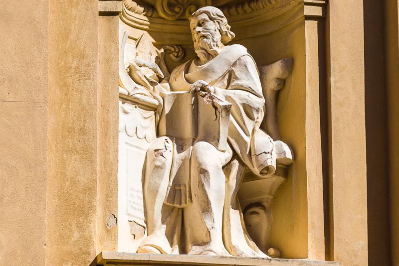 La statua in pietra di San Gregorio Magno