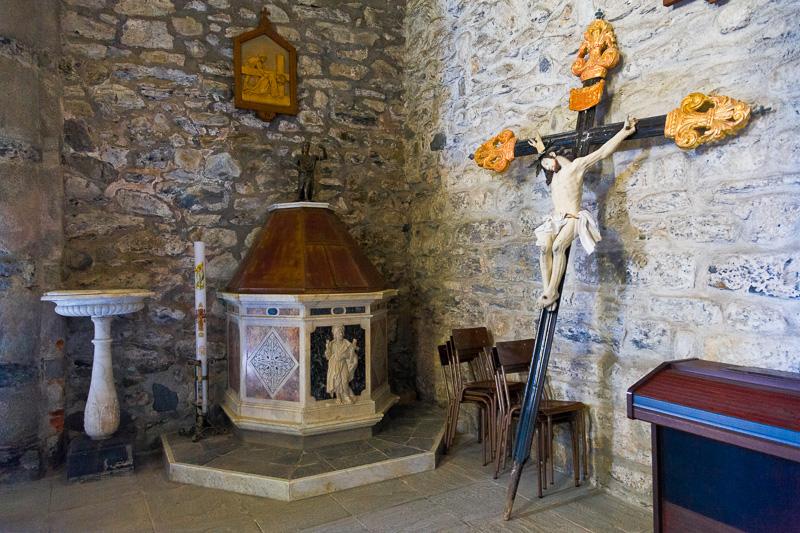 Il fonte battesimale della chiesa di Santa Margherita d'Antiochia