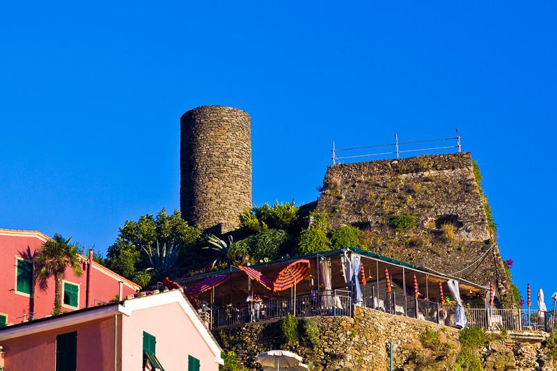 La torre quadrata e la torre cilindrica del castello Doria