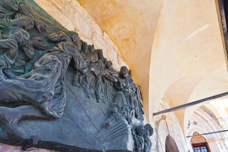 Bassorilievo in bronzo patinato