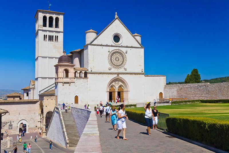 La piazza superiore di San Francesco