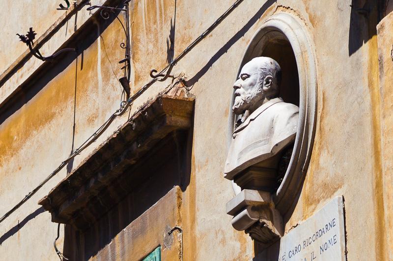 Monumento a Eugenio Brizi