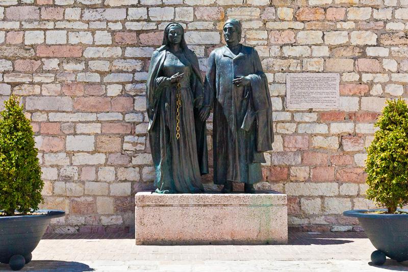 Monumento ai genitori di San Francesco