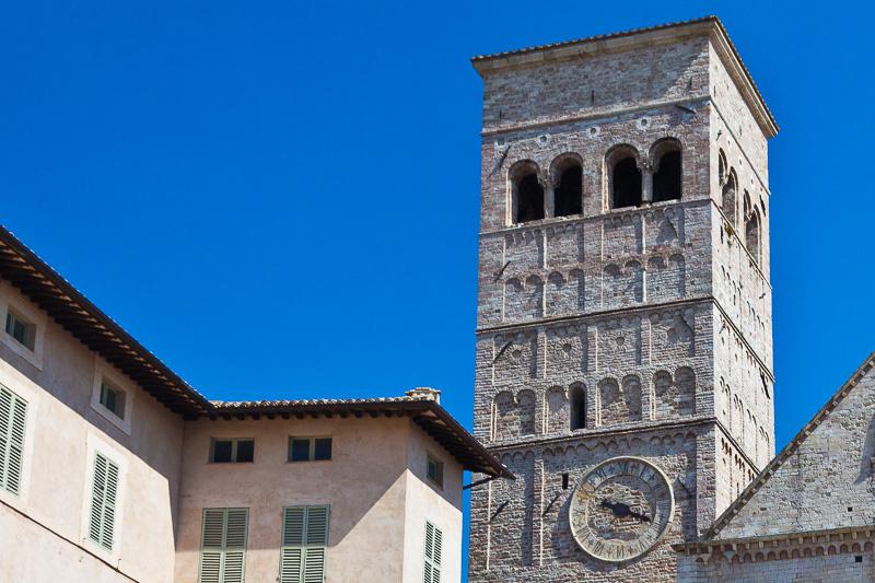 Campanile della chiesa di San Rufino