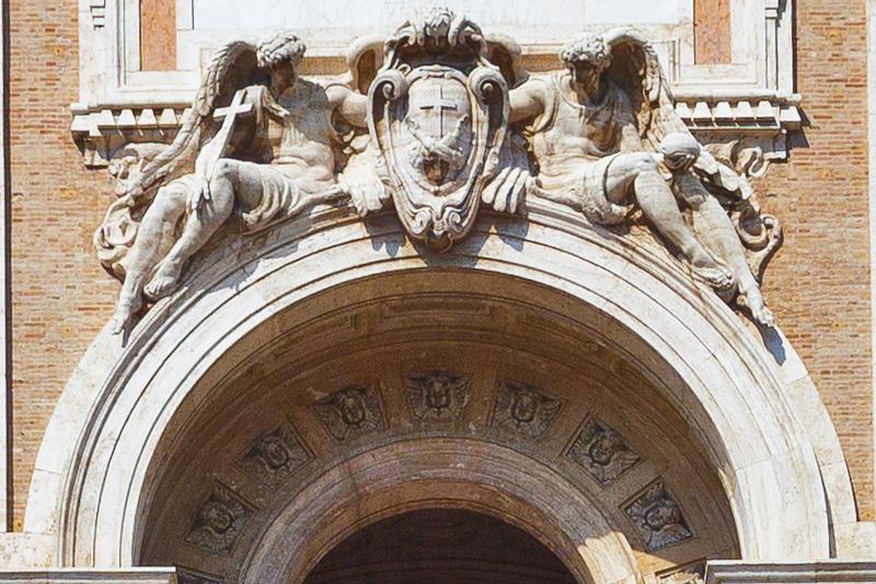 Il portico della Basilica di Santa Maria degli Angeli