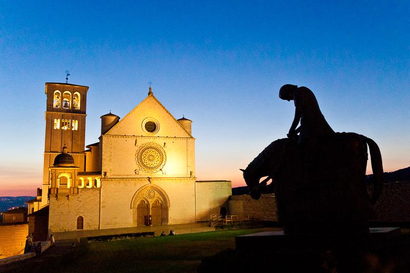 San Francesco a cavallo (il pellegrino di pace)