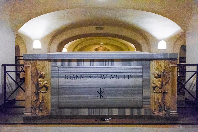 Il sarcofago di papa Giovanni Paolo I