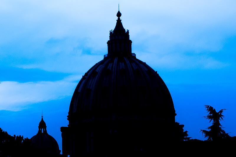 Silhouette della Cupola della Basilica di San Pietro