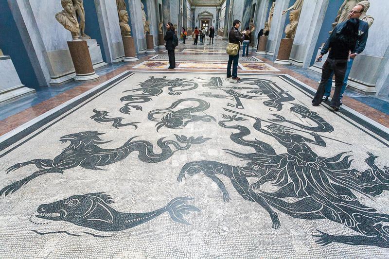Mosaici del pavimento del del museo Chiaramonti