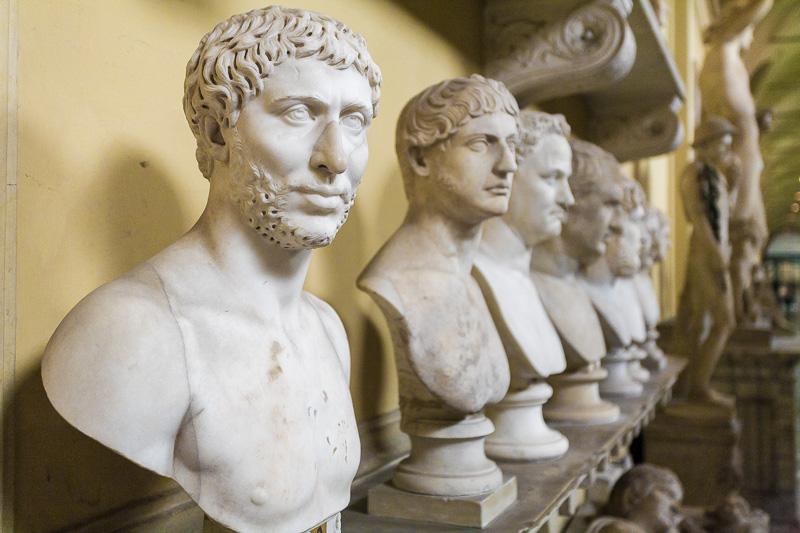 Busti nel museo Chiaramonti