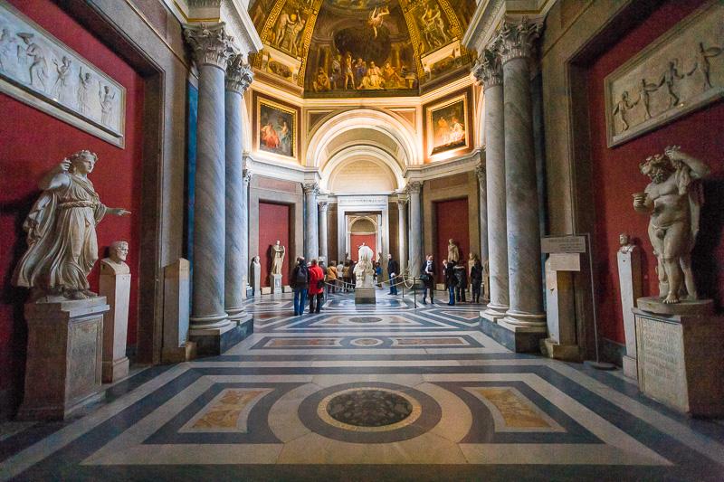 Sala delle muse nel museo Pio Clementino