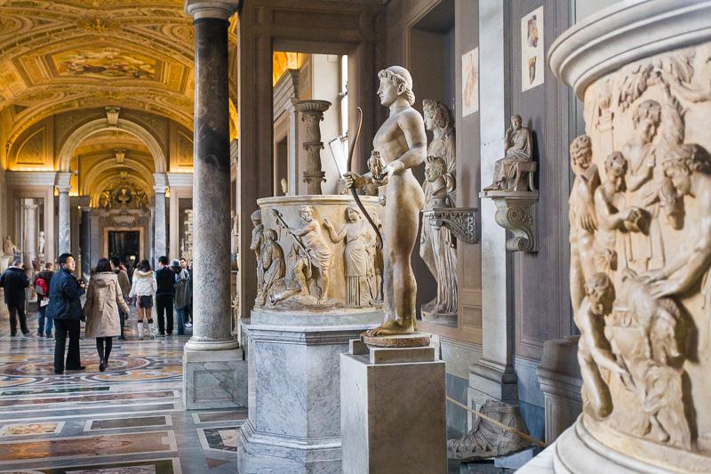 Le statue marmoree della galleria Candelabra