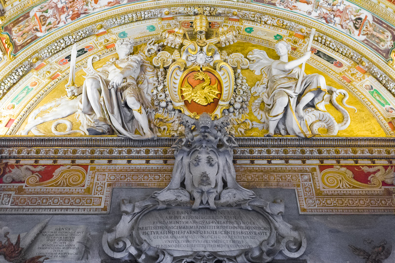 Stemma papale di Gregorio XIII nei Musei Vaticani