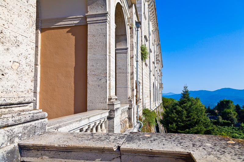 La facciata Ovest dell'abbazia di Montecassino