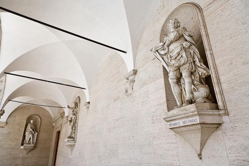 Le statue dei Benefattori