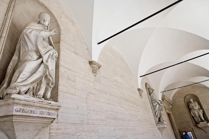 La statua di papa Gregorio Secundo