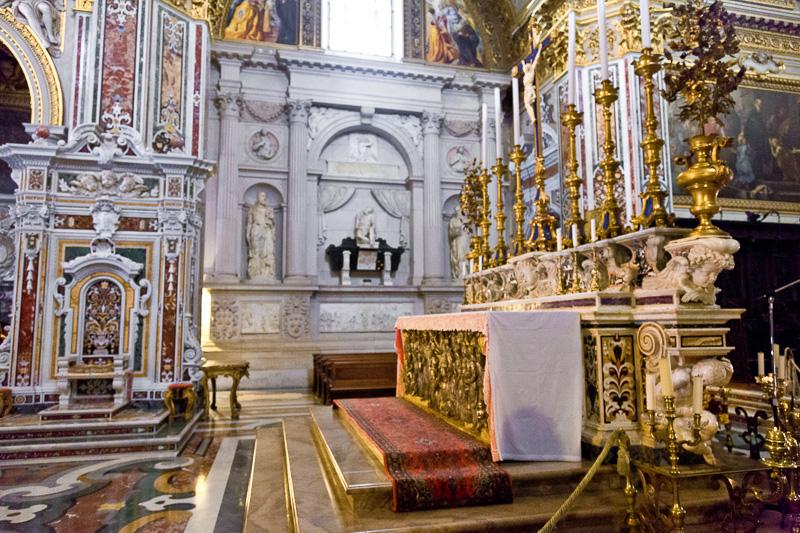 L'altare maggiore della Basilica Cattedrale