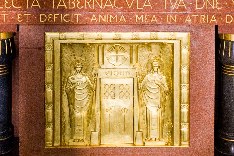 Il tabernacolo in oro