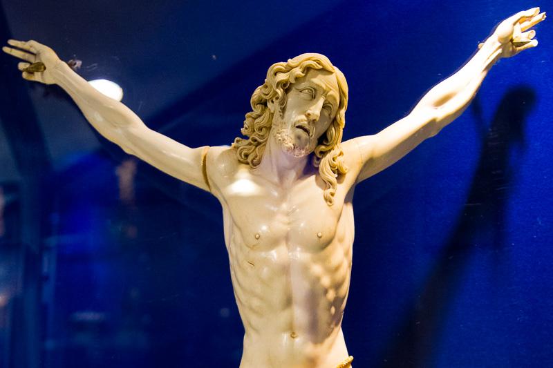 Cristo crocifisso, in avorio