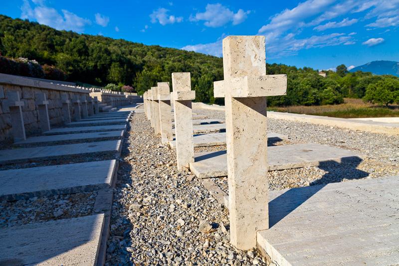 Le croci del Cimitero Polacco