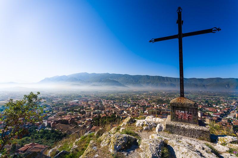 Una croce in ferro