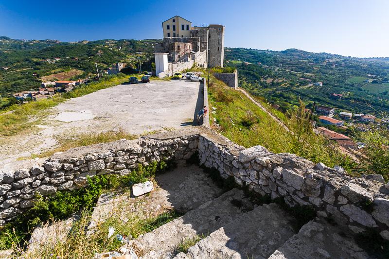 Il cortile interno del castello