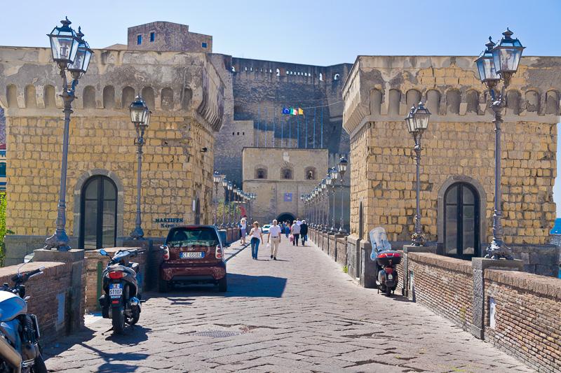 Pontile d'ingresso per Castel dell'Ovo