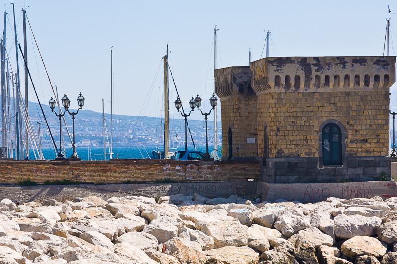 Le due torri di Castello dell'Ovo